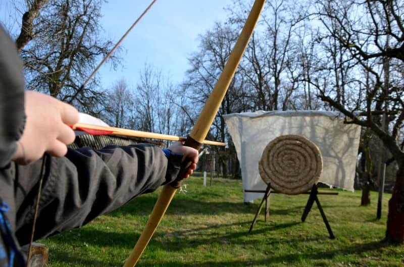 Do Crossbows Deal With the Archer's Paradox